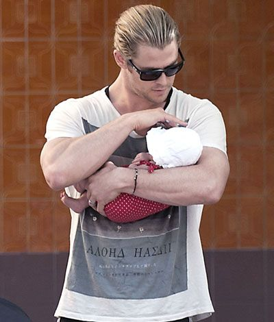 Chris Hemsworth as Thor is nice, Chris Hemsworth as a daddy is hot!