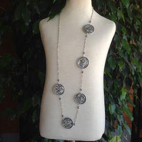 El taller de Adrilupa: Collares fondo plateado