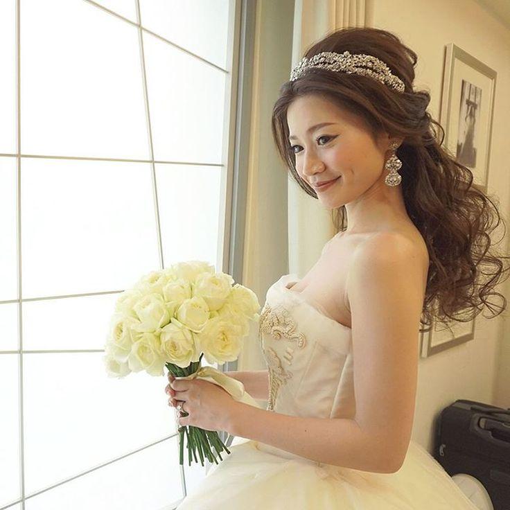 いいね!1,211件、コメント11件 ― Yukiko Hattoriさん(@ceu0116)のInstagramアカウント: 「. . 先程投稿の @kaori4737 kaoriさん、和装からウェディングに。 . トリートさんの #ヴェラウォン のドレスは、日本中の女の子の憧れドレス。 . 大人可愛い花嫁にピッタリ。 .…」