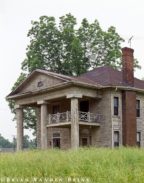 Abandoned house...Oh what you could do with this...