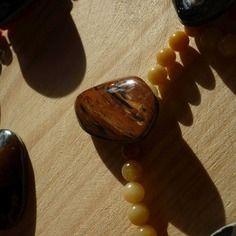 Obsidienne mentogochol acajou orange marron reflets cuivrées irisées cabochon 4.5cm rainure 2mm, gemme feu volcan