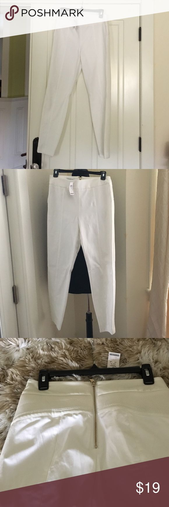 Bebe nwt white crop pants. Bebe nwt white crop pants.  Back gold zipper. Faux leather detail. bebe Pants Ankle & Cropped