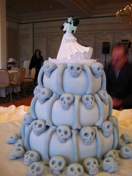 Skull-themed wedding cake... in the spirit of Nightmare Before Christmas and Corpse Bride?
