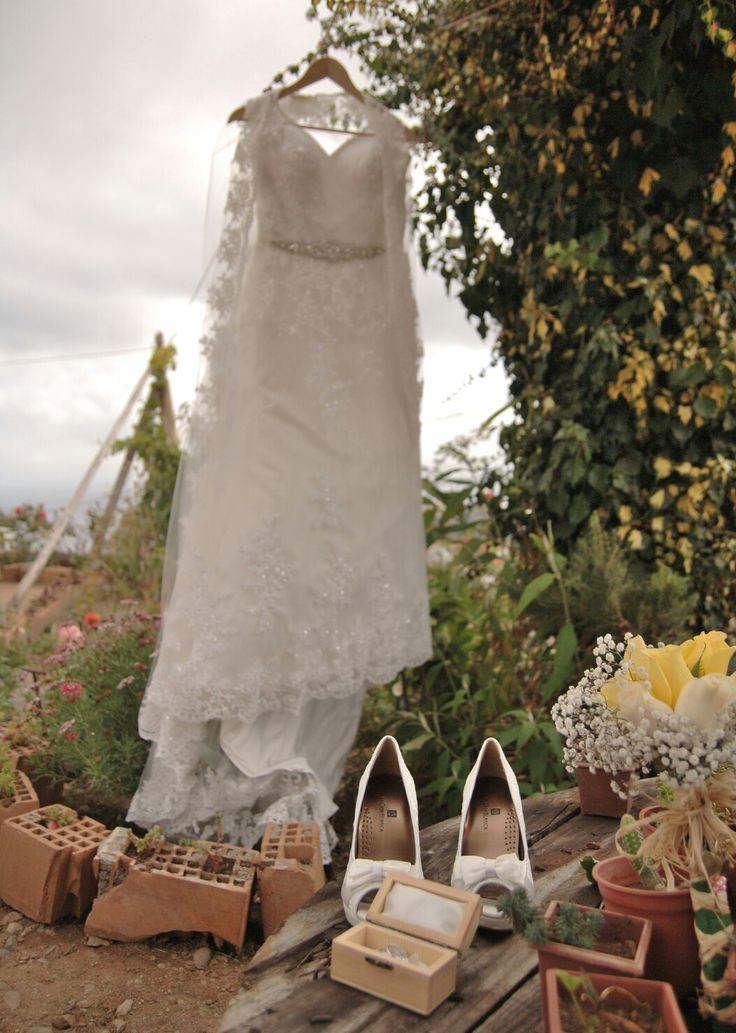 Wedding accessories Wedding bouquet Wedding shoes Wedding rings Bride Shoes Bride bouquet Wedding Dress