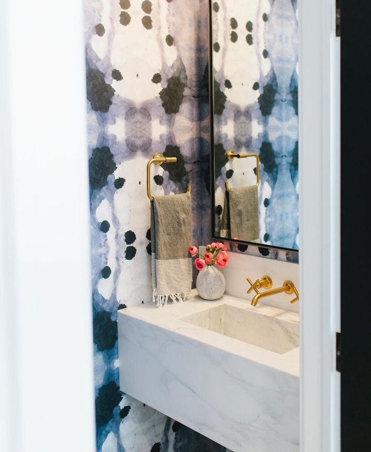 Best 25 wallpaper shops ideas on pinterest wallpaper for Bathroom wallpaper near me