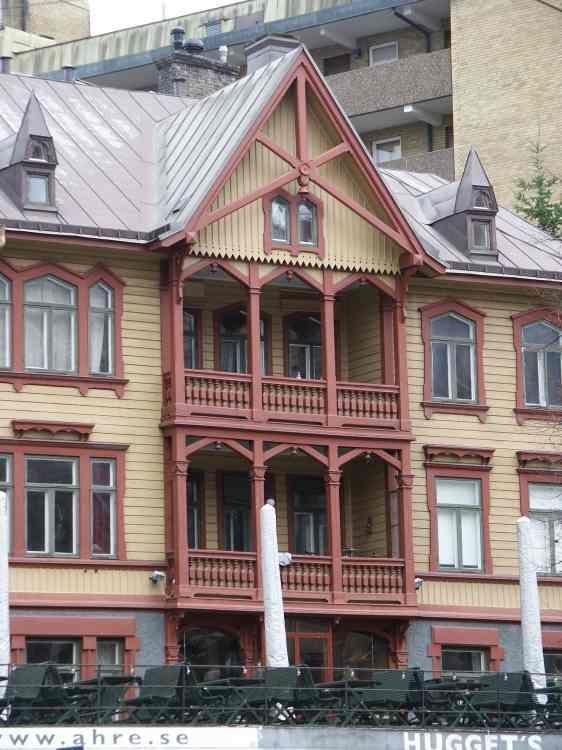Linnégatan 32