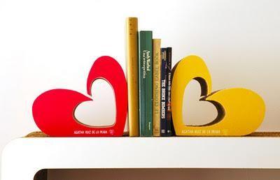Corazón sujeta libros. A. Ruiz de la Prada