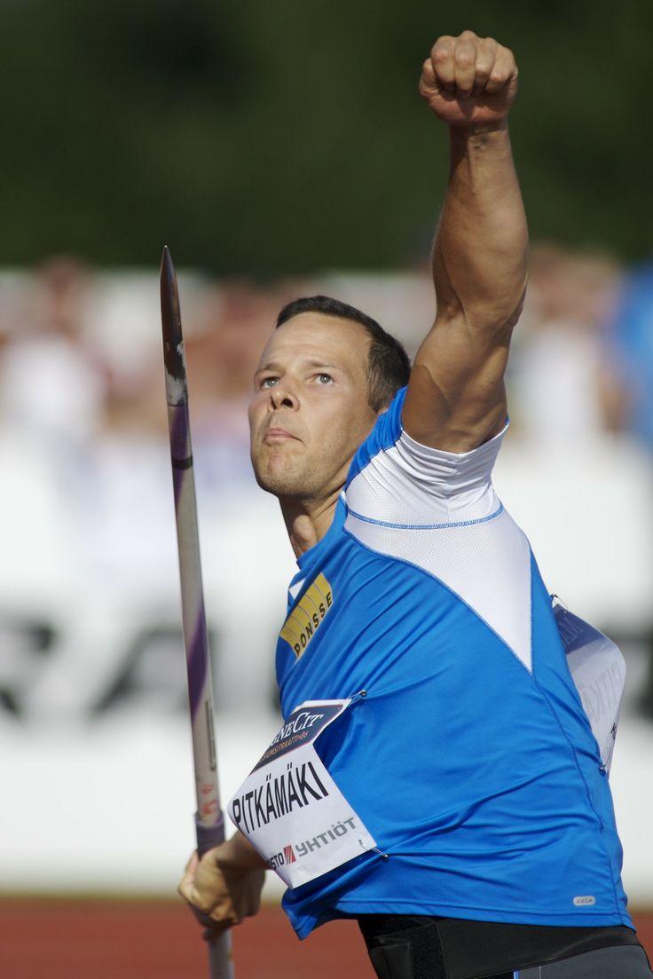 Relay race baton galleryhip com the hippest galleries - Tero Pitk M Ki Finnish Javelin Thrower