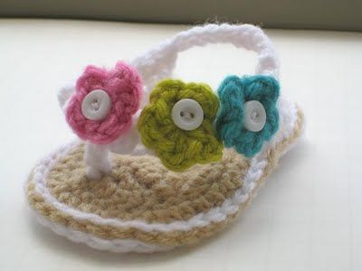 Love these crocheted baby flip flops. Wish I knew how to crochet.