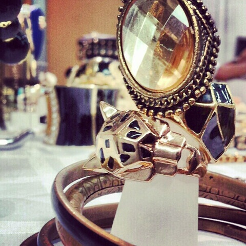 OUMIRA  Ring stacker