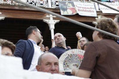 Una presunta ruta de turismo sexual pagada por una trama corrupta implica a Caunedo y Pecharromán. La Agencia Tributaria pide la imputación del exalcalde de Oviedo y del exconcejal de Gijón. Asturias24, 2015-10-30 http://www.asturias24.es/secciones/oviedo-1/noticias/una-presunta-ruta-de-turismo-sexual-pagada-por-una-trama-corrupta-implica-a-caunedo-y-pecharroman/1446207513