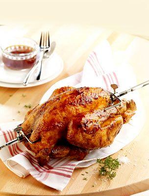 Megmutatjuk, hogyan lehet az otthoni sütőben készített grillcsirke ugyanolyan finom, mint a hentesé.