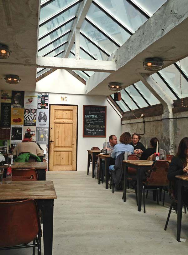 Stadscafe van mechelen amsterdam hotspot op de sloterkade for Food bar brecht