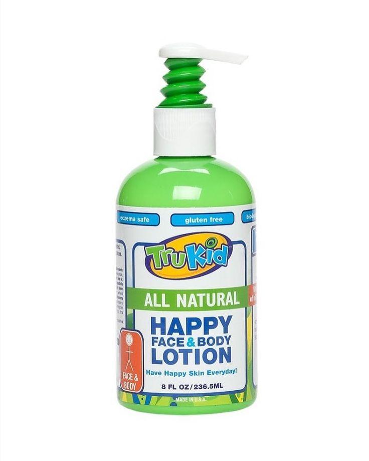 Trukid Happy Face-Body Lotion After Sun-Çocuklar için Tamamen Doğal Güneş sonrası Yüz ve Vücut Losyonu 236 ml  Trukid happy face & body lotion ile Güneş sonrası Gece ve gündüz çocuğunuzun her ihtiyacı olduğunda özellikle güneş sonrası banyo veya duştan sonra uygulayabilirsiniz. Lavanta papatya civanperçemi hindistan cevizi ayçiçeği badem yağı ve aloe vera içeren Trukid Happy Face & Body losyonu kullanımı sonrasında sizin veya çocuğunuzun cildinin nemlendirici etkisi ile rahatladığını…