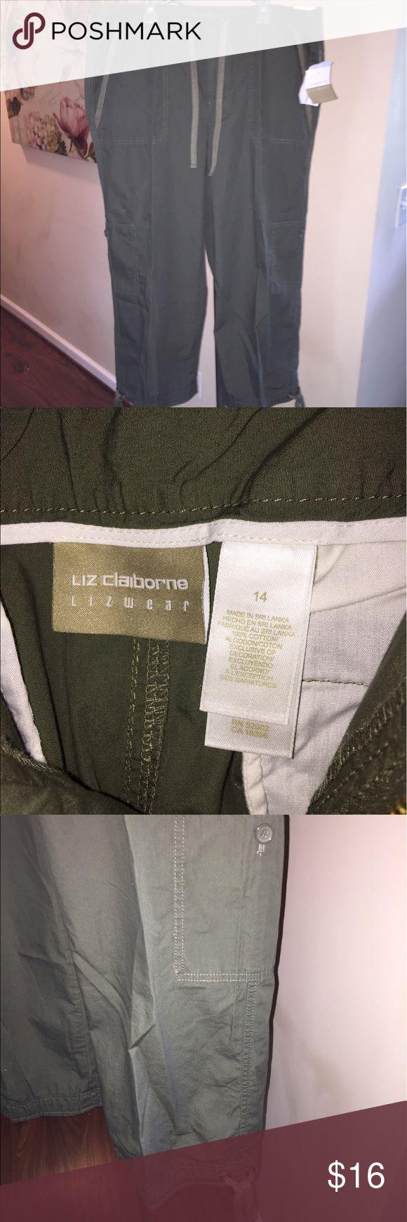 Lizwear green khaki capris New Lizwear green khaki capris with cargo pockets and ties at legs. Sz 14. Cotton. Zip front and tie. Liz Claiborne Pants Capris