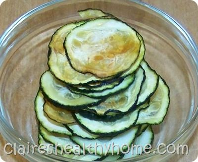 Baked Zucchini Chips  I'm going to try these today!Zucchini Chips Yum, Baked Zucchini, Baking Zucchini, Healthy Eating, Baking Zuchinni, 100 4662, Veggies Chips, Baking Veg, Baking Zucchinni