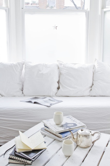 #home #white <3<3 Visit http://www.thatdiary.com/ for guide + advice on #lifestyle