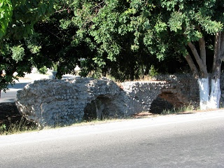 The Roman Aqueduct on the Antimachia-Kos road   http://www.discoveringkos.com/2013/03/the-roman-aqueduct-on-antimachia-kos.html