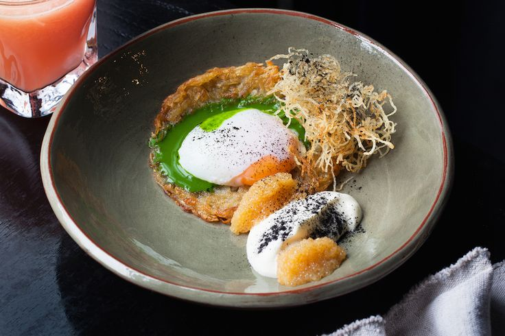 Рецепт драников с яйцом пашот и щучьей икрой от шеф-повара ресторана «Северяне»…