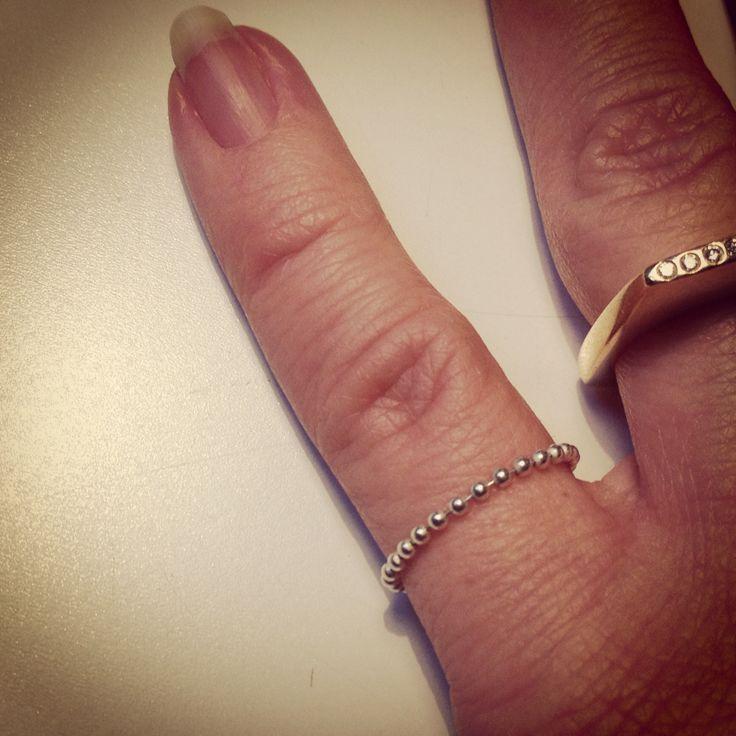 Enkle kugle fingerringe også i guld (: