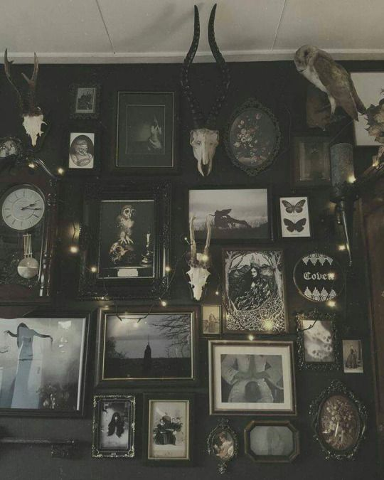 Best 25  Goth home ideas on Pinterest   Goth home decor  Gothic home decor  and Gothic bedroom. Best 25  Goth home ideas on Pinterest   Goth home decor  Gothic