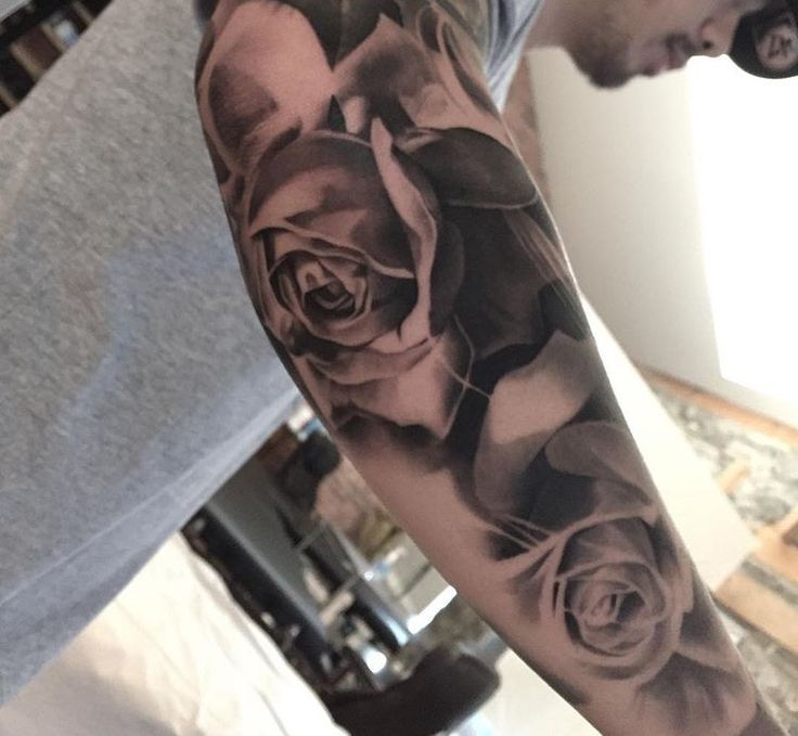 Black and grey Roses tattoo