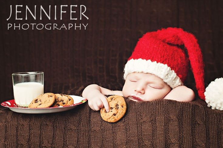 Cute baby's first Christmas photo!! @Aly Hanson I can see Harris doing this!