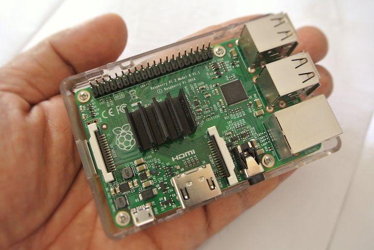 Mit dem Raspberry Pi kann – egal ob Anfänger oder Fortgeschrittener – vieles gebaut werden. Hier findest du viele tolle Beispiele für Raspberry Pi Projekte. – Michael Strobl
