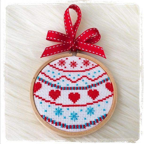 Your month in pictures: handmade projects and WIPs from #molliemakes magazine. This November we really ramped up the Christmas crafting, and our blog is the go-to place!