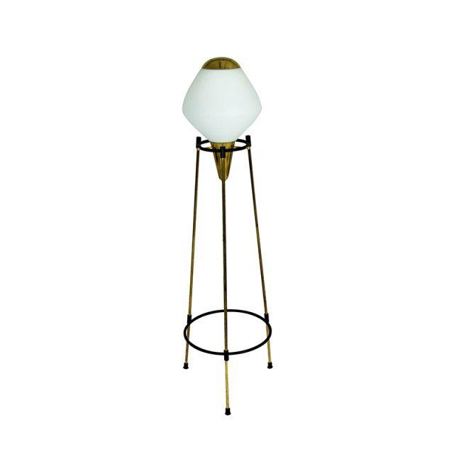 Tripod floor lamp by Stilnovo | Cabina Design Gallery