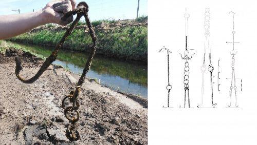 Romeinse ijzeren haardketting gevonden in Meteren Romeinse ijzeren haardketting gevonden in Meteren