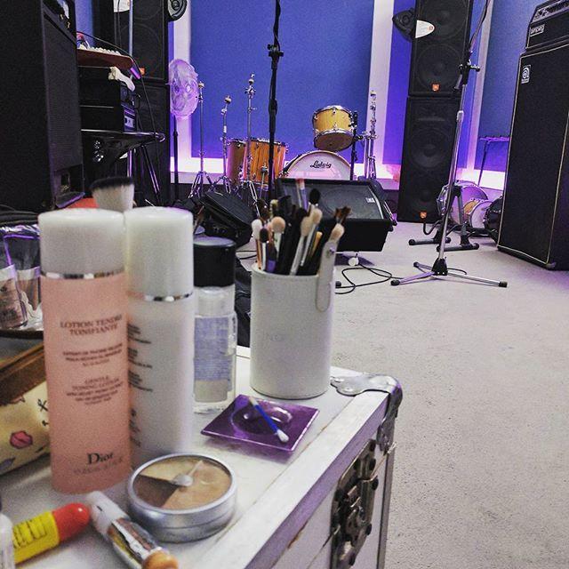 💄Todo preparado 💄  #maquillaje para @loanoficial representante @christianmanzanelli #photography  #filmmaker @rodriquini