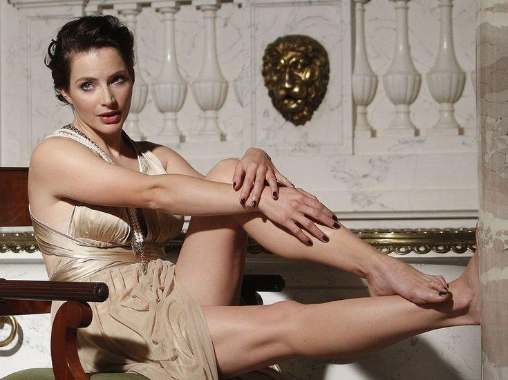 Anna Dereszowska's Feet << wikiFeet
