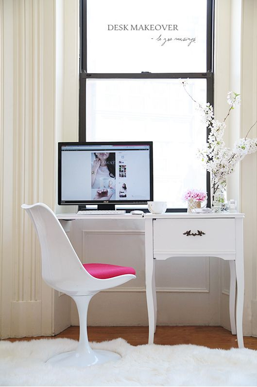 See how to turn a vintage sewing machine cabinet into a chic work desk!