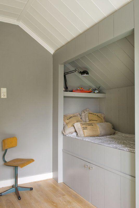 17 beste idee n over kleine slaapkamers kinderen op pinterest kleine kamers kleine ruimte - Idee opslag cd ...
