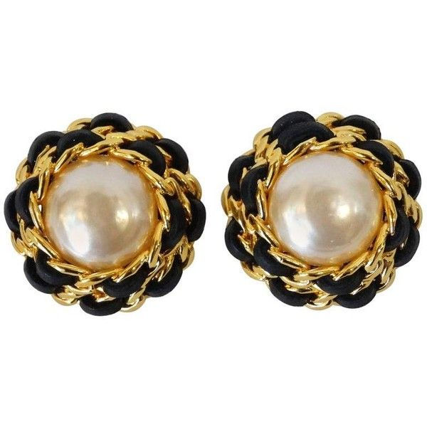 Preowned 1980s Chanel Pearl Double Chain Earrings ($675) ❤ liked on Polyvore featuring jewelry, earrings, beige, 80s earrings, 1980s earrings, pearl earrings, eighties earrings and oversized earrings
