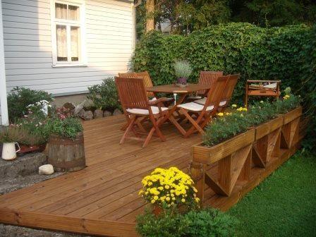 Termofuru kan også behandles dersom du ikke ønsker den naturlige grå patinafargen. Her anbefales det terrassebeis fra Osmo i fargen 728 (Ceder)