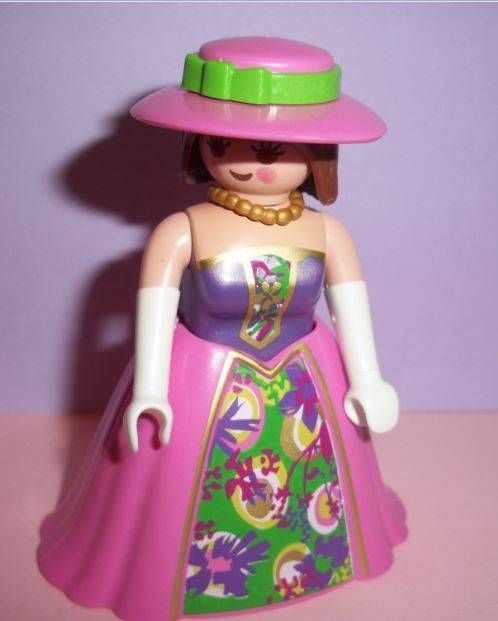 Playmobil      Victorian Mansion House/Palace - Lady, Necklace & Hat. NEW 2014