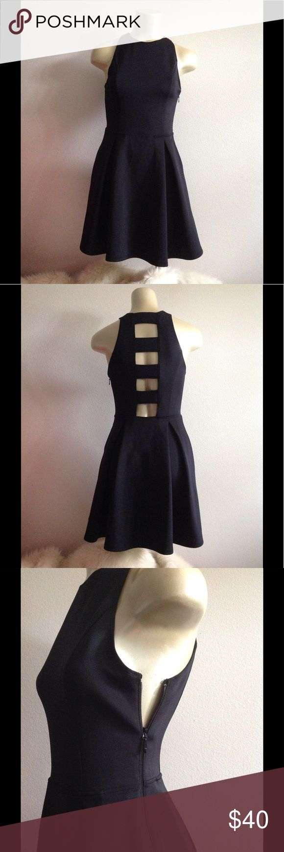 Abercrombie and Fitch dress Abercrombie and Fitch dress preowned size small dark color some time I time it's back and times I think it's very very dark blue working zipper on the side Abercrombie & Fitch Dresses