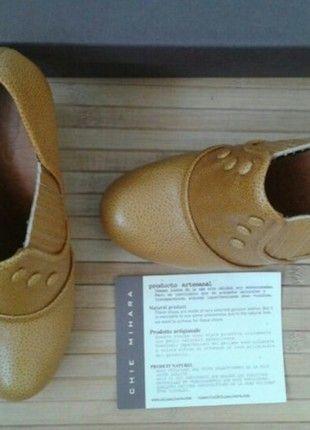 Compra mi artículo en #vinted http://www.vinted.es/zapatos-de-mujer/tacones-altos-y-zapato-de-gala/330535-zapatos-abotinados-con-botones-mostaza