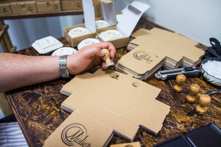 Příprava krabiček pro zásuvky a vypínače Mulier.