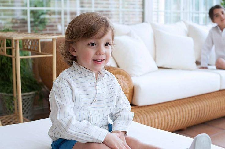 El look de esta semana nos lo trae Jacobo con una de las novedades, el Pantalón L&L en azul azafata que combina a la perfección con la Camisa Lua Pincel...  ¿Qué os parece?                                  http://www.lacasitadellago.net/tienda/pantalon-ll/