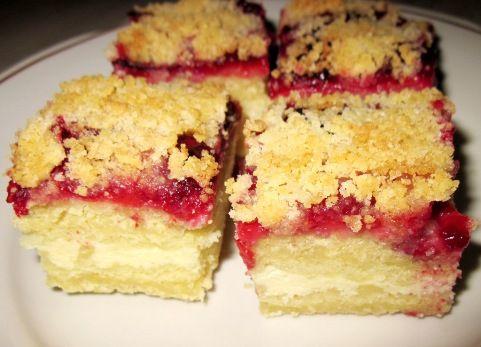 Торт «Улыбка» — творожно-ягодный десерт по простому рецепту