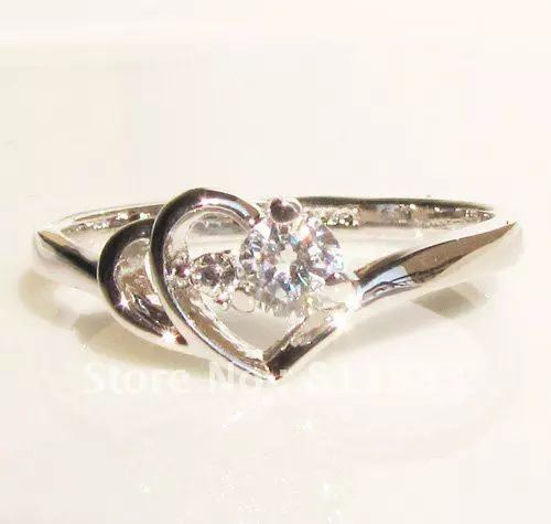 White Gold Promise Rings For Girlfriend With added glow of gold | Myringphotos.com on We Heart It