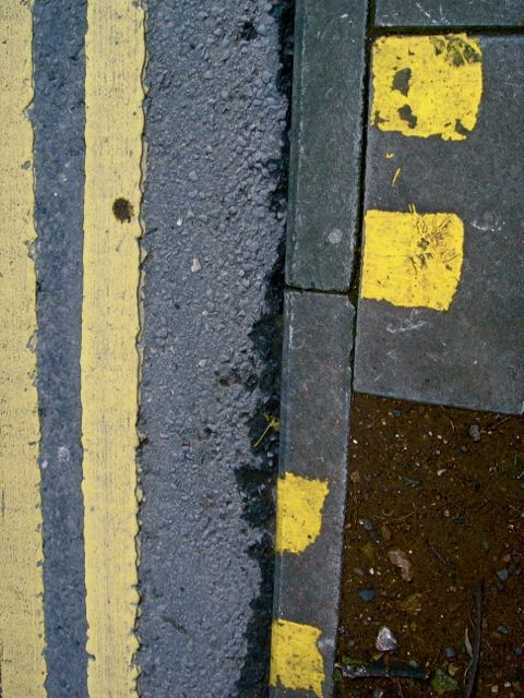 Bristol road markings, yellow and grey.