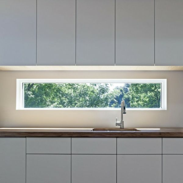 Küche Mit Langen Fenster über Dem Waschbecken   41 Interessante  Küchenspiegel Ideen Für Die Wohnung