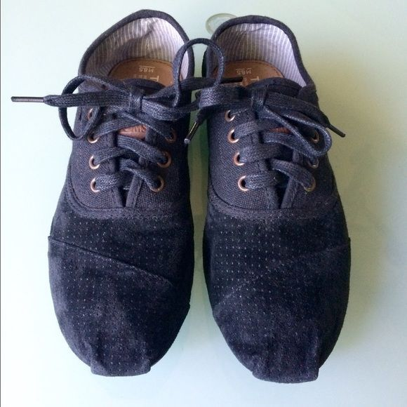 3715b3fd985 Mens TOMS Cordones - Black Mens TOMS black Cordones. Toe and heel are  perforated suede. Ankle and laces are regular canvas. Never worn! Excellent  condition.