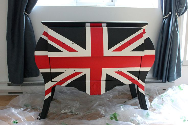 Recyclage de meuble : commode Union Jack - DIY