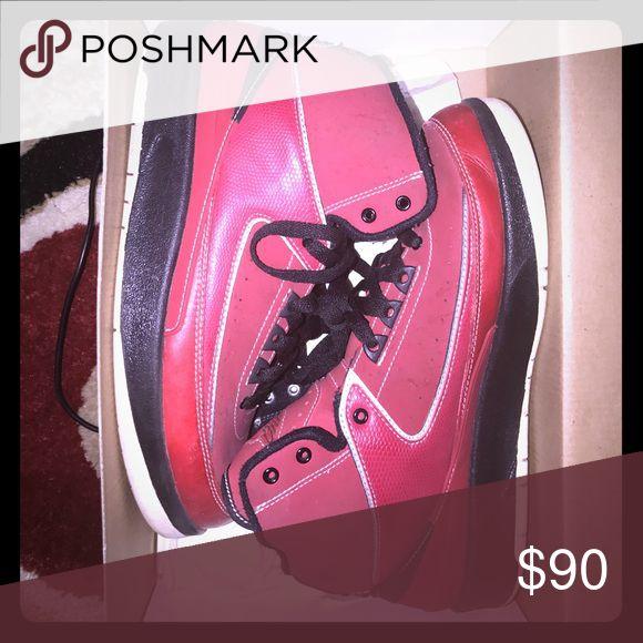 Jordan Retro 2 size 7 Good condition Jordan Shoes Sneakers