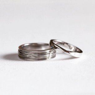 Оригинальные обручальные кольца, выполненные из белого золота 585 пробы